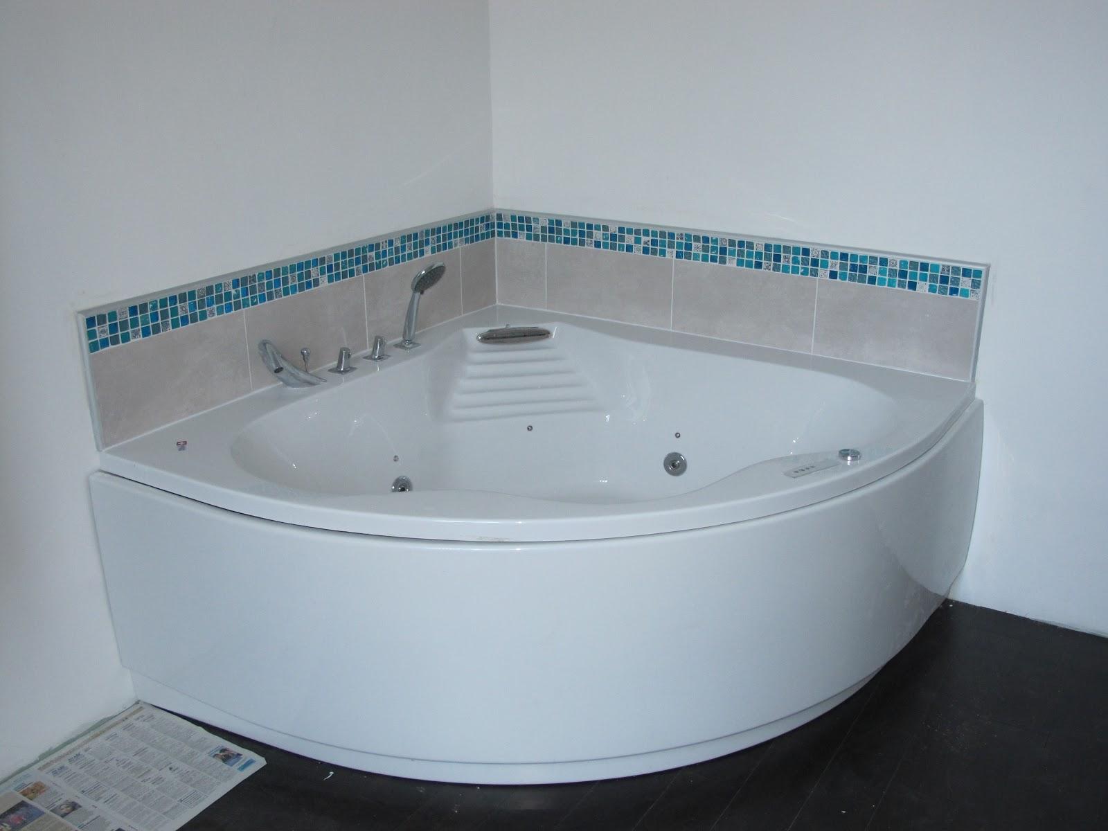 indogate salle de bain avec baignoire dangle