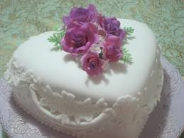 Romantic Wedding Cake Flowers and Sugar