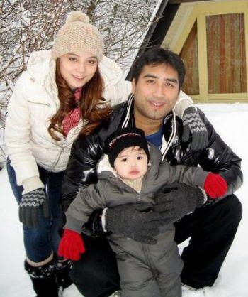 Gambar Intan Sarafina Bersama Suaminya Iskandar Ezzahuddin Ahmad Zulkifli dan Anak Sulung Mereka
