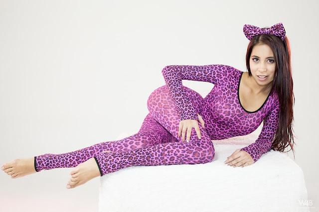FotosNua.Com tigresa mostrando a buceta