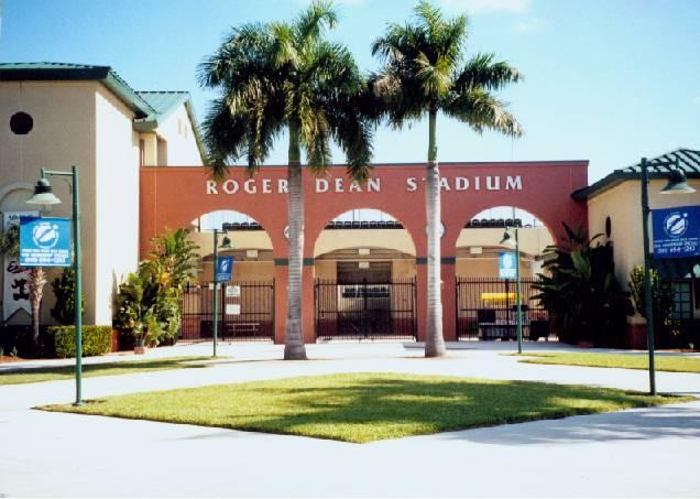 Roger+dean+stadium