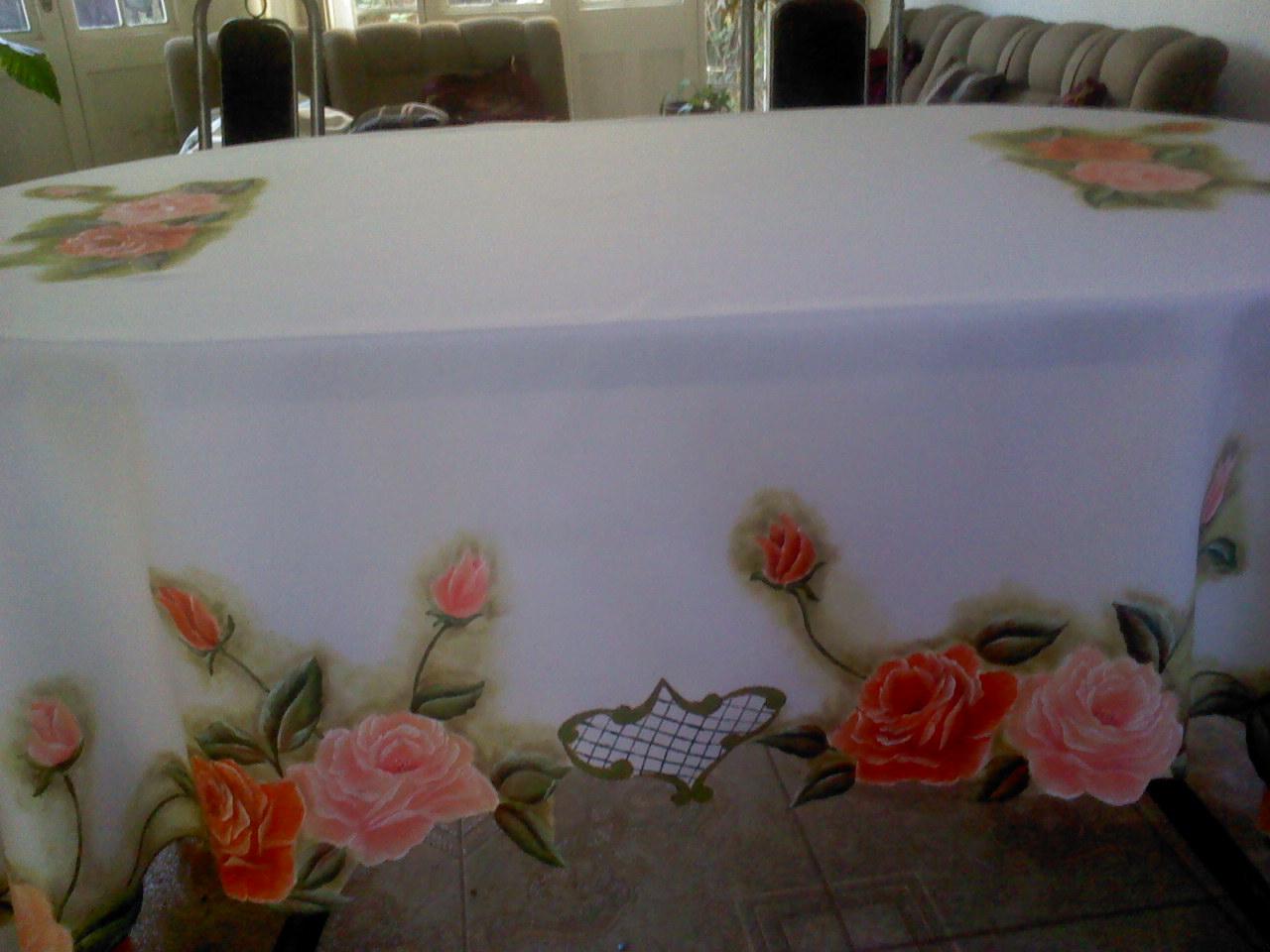 Pinturas en tela y cuadros hermoso mantel de rosas for Telas para manteles precios