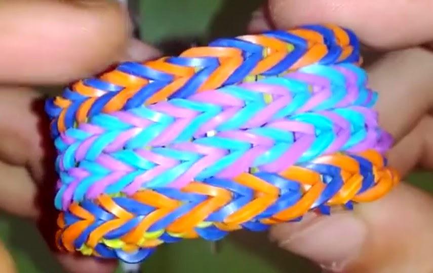Cómo hacer una pulsera cuadruple fishtail de gomas