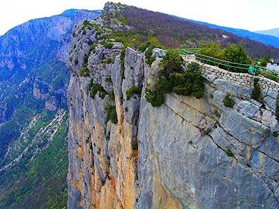 Mirante na estrada de Gorges du Verdon - França
