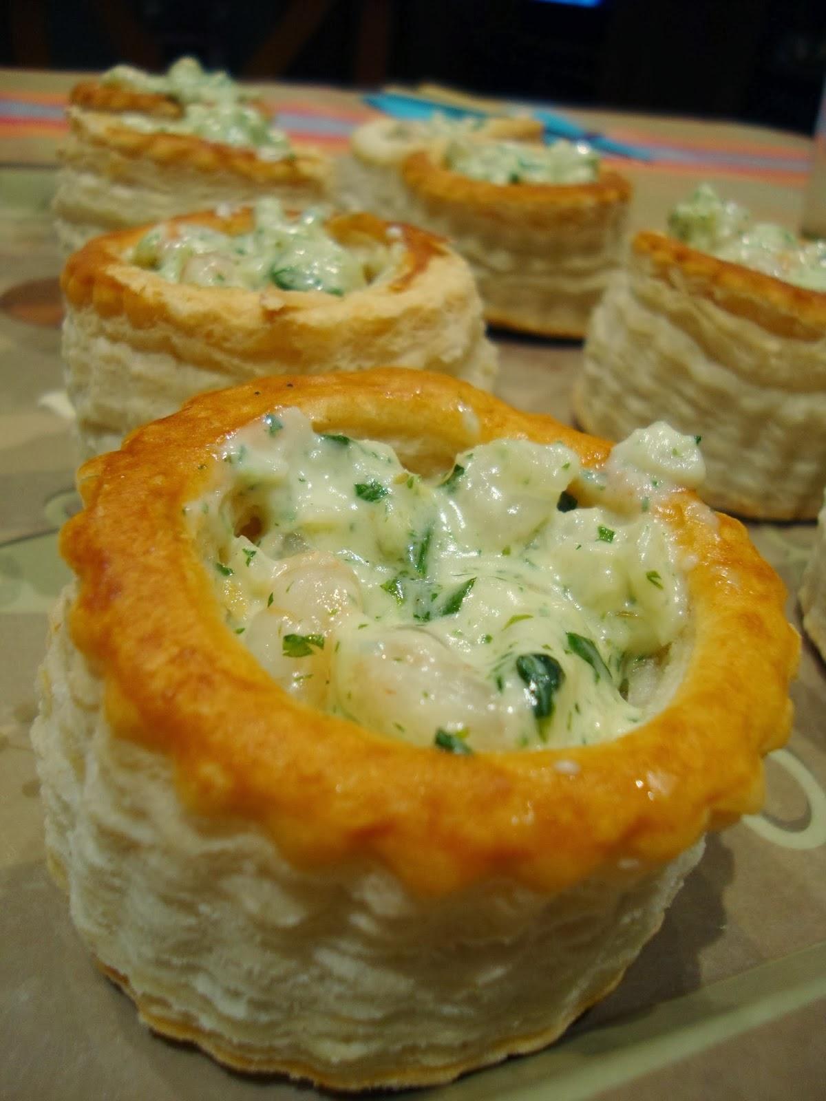 Volovanes rellenos de marisco aperitivo fiesta cena