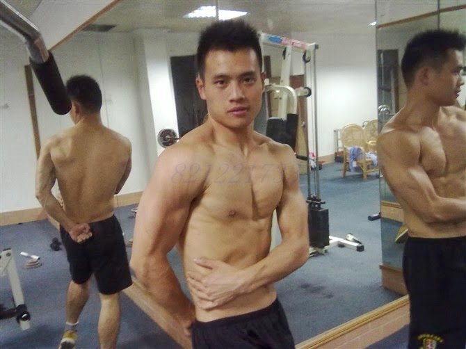 http://gayasiancollection.com/hot-asian-hunks-muscular-policeman/