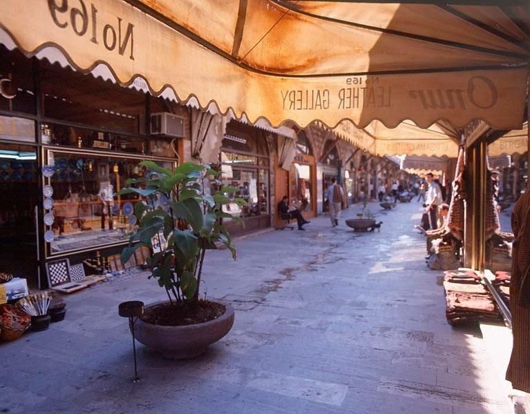 تعرف علي بازار اراستا في اسطنبول