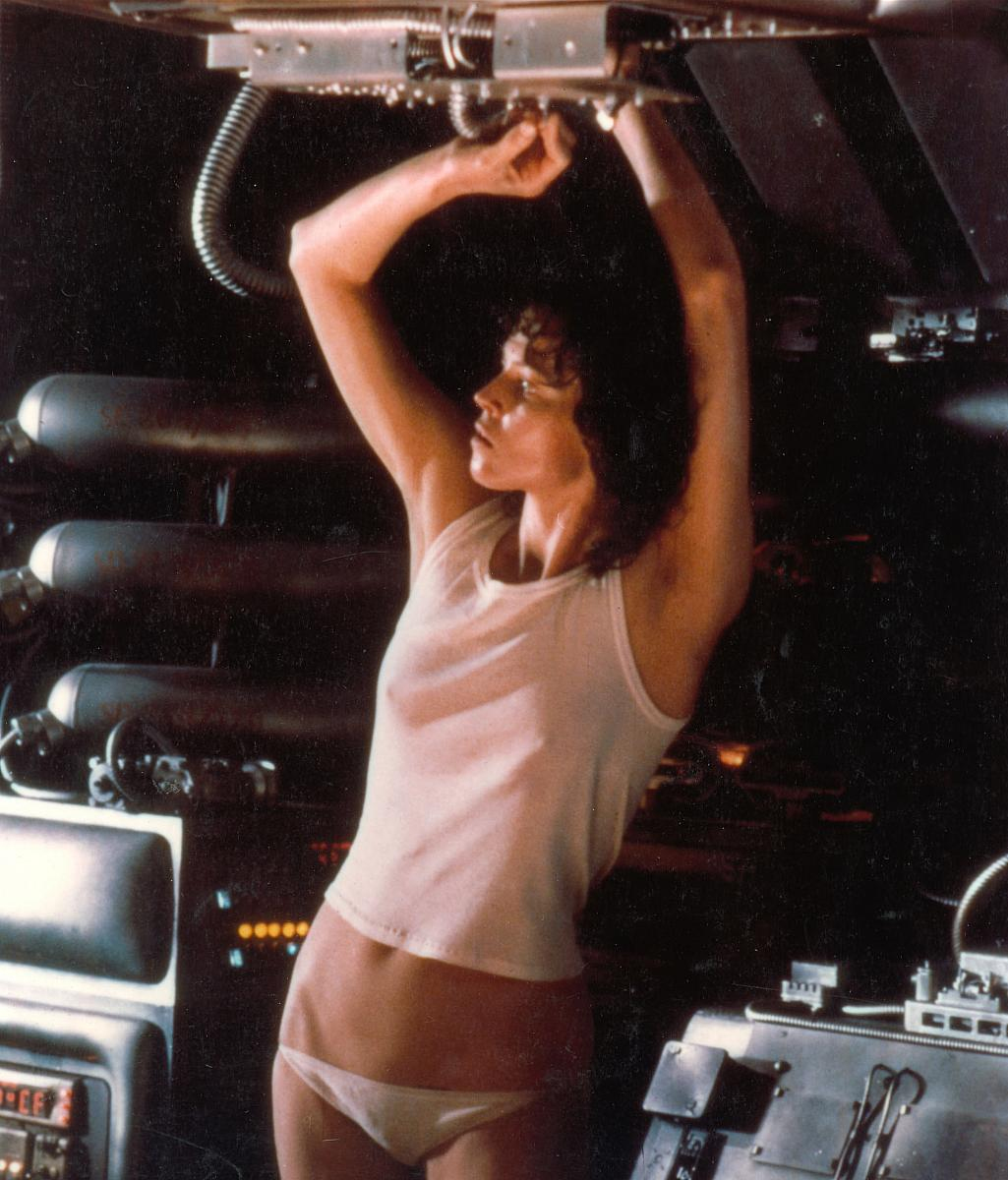 http://4.bp.blogspot.com/-CbiVc9dFyPQ/TuEnRJ6wzxI/AAAAAAAABBQ/QqvQ0u17vOw/s1600/alien_underwear.jpg