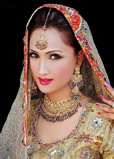 Beautiful Indian Dress For Bridal  Wedding Makeup, bridal wedding makeup pic, wedding dress