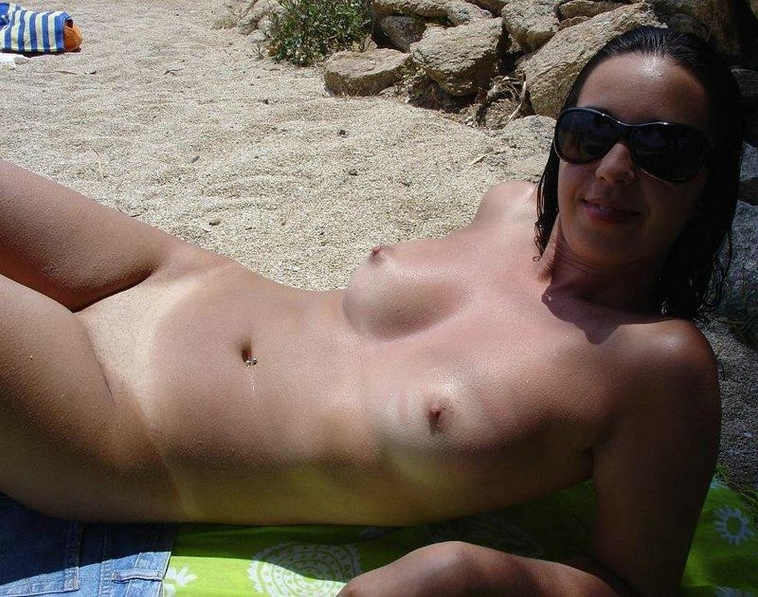 Nude beach (mostly candids) | nudes girl