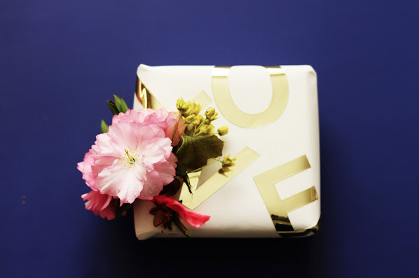 mother's day floral and gold gift wrapping