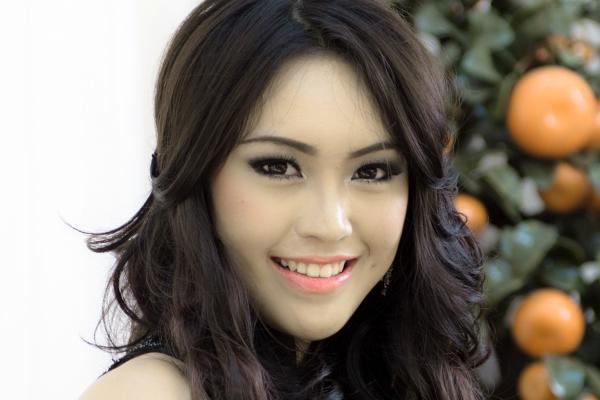 Indonesia - Vania LARISSA