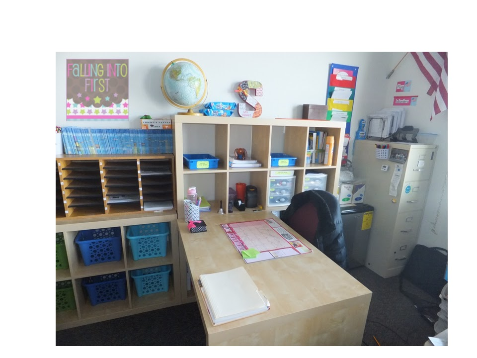 Falling into first the teacher desk of my dreams - Classroom desk organization ideas ...