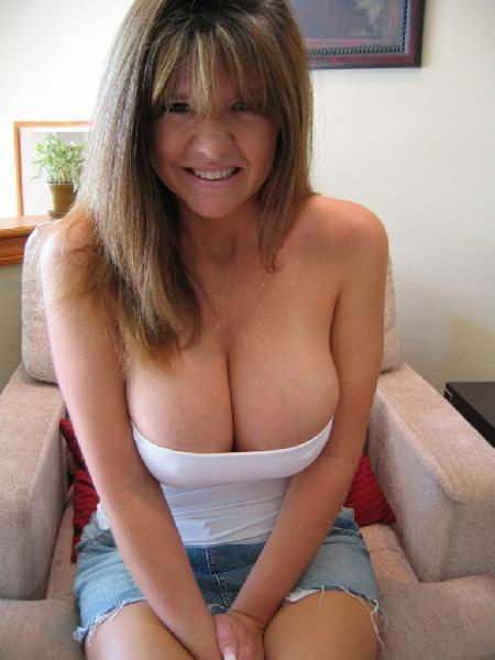 40 yr milf perfect shaved 1