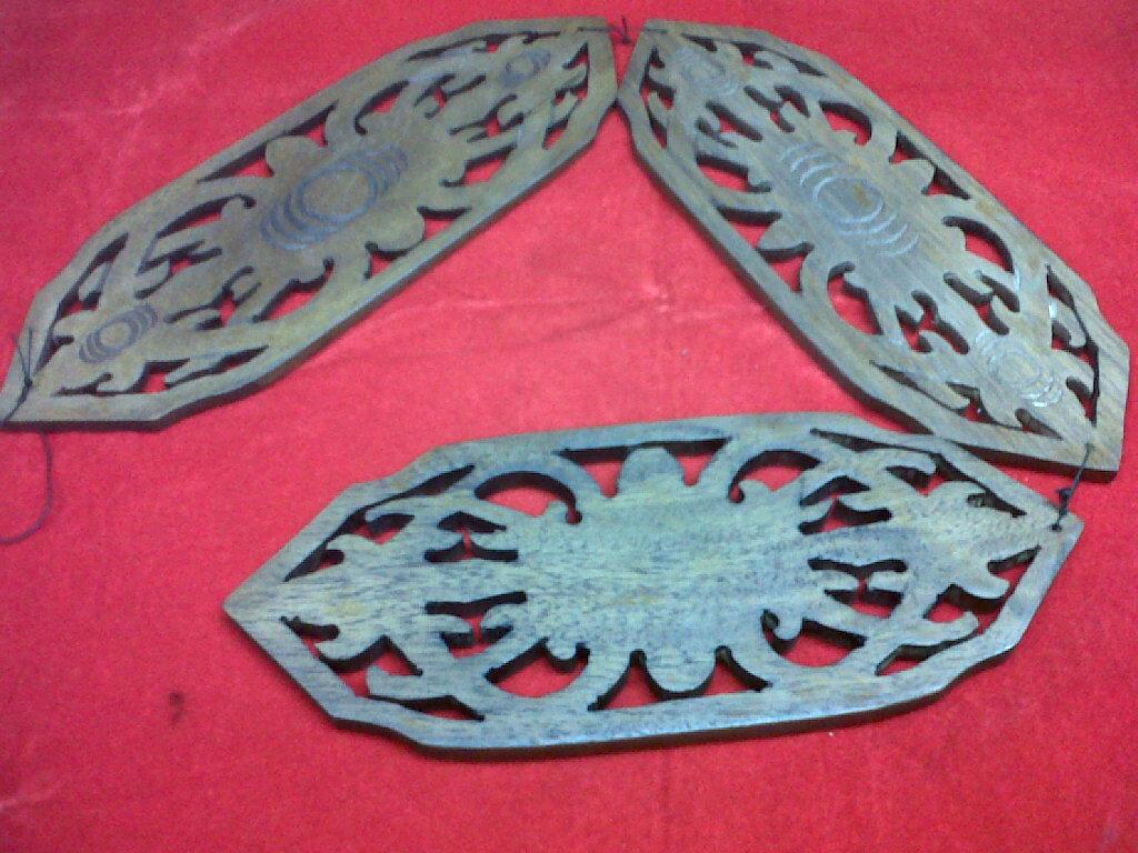 Kalimantan Souvenir Pajangan Dinding Dayak Best Buy Indonesia Ck Bandana 1409018 Multifungsi Motif