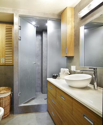 Amenajare baie moderna,cu cat baia noastra e mai spatiuasa cu atata e si mai utila..Decorare baie si renovare bai apartamente mici si mari..aici gasesti sute de modele de gresie si faianta