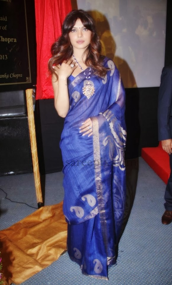 Priyanka-chopra-transparent-saree-Cancer-wad-inauguration-Nanavati-hospital