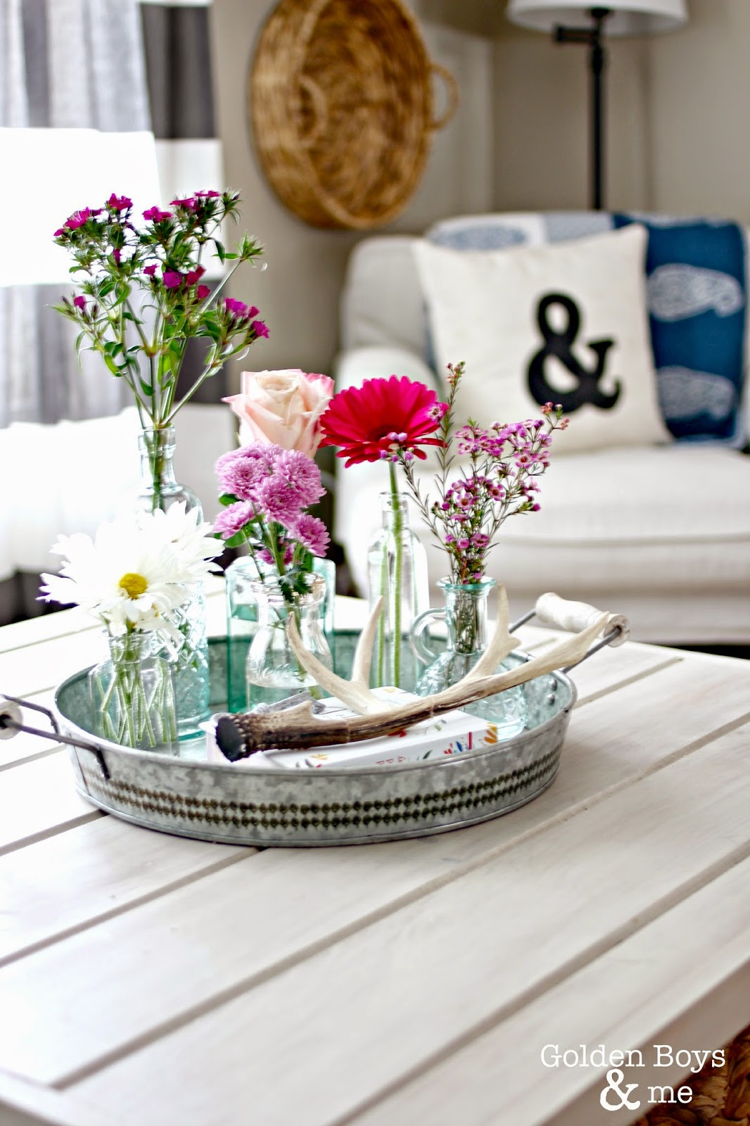Spring flowers on galvanized tray-www.goldenboysandme.com