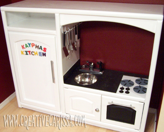 Diy play kitchen reveal creative green living - Fabriquer cuisine bois enfant ...