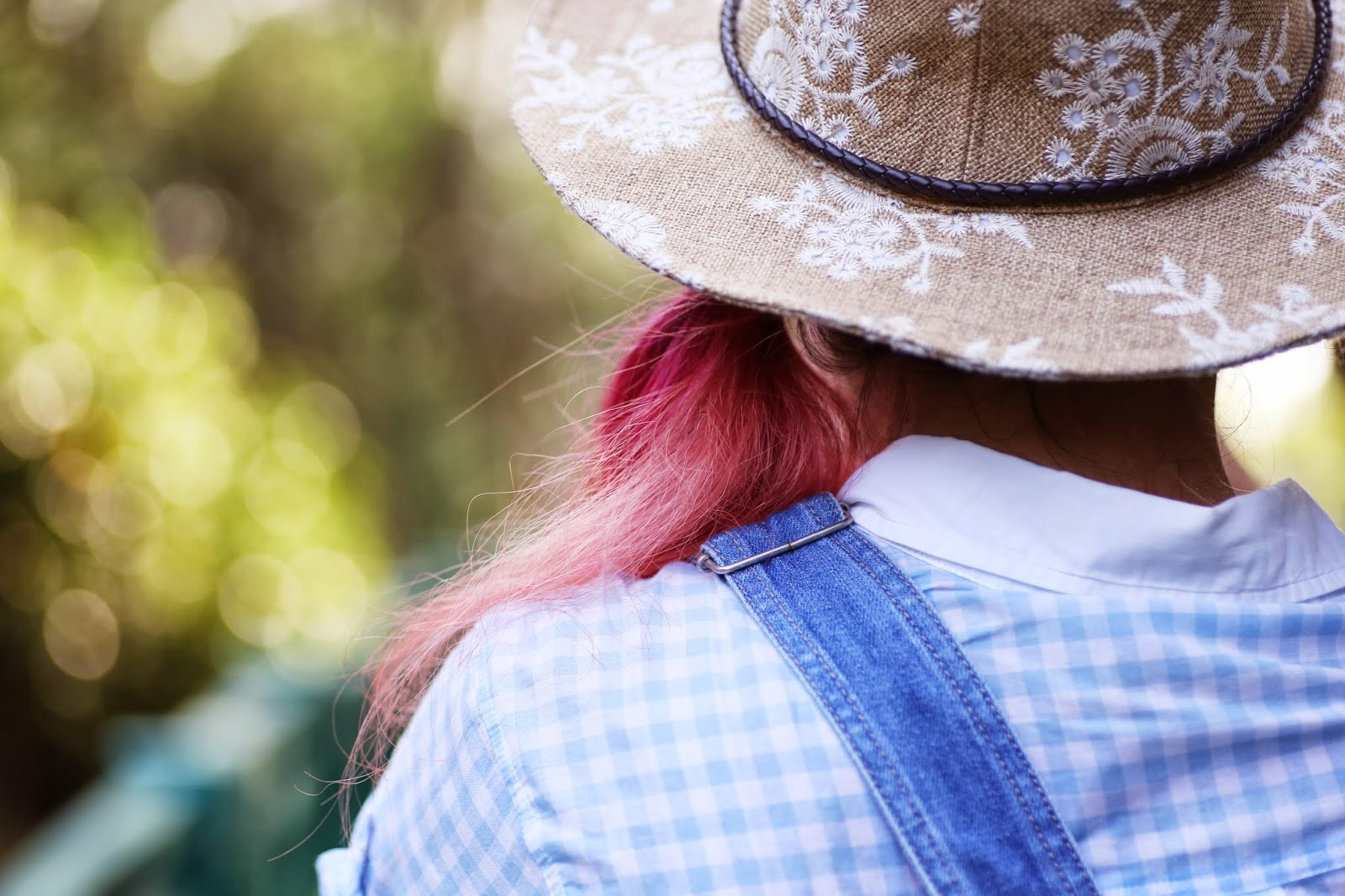 side pony tail, zara hat, gingham shirt, blue gingham