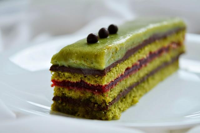 opéra matcha framboise chocolat noir