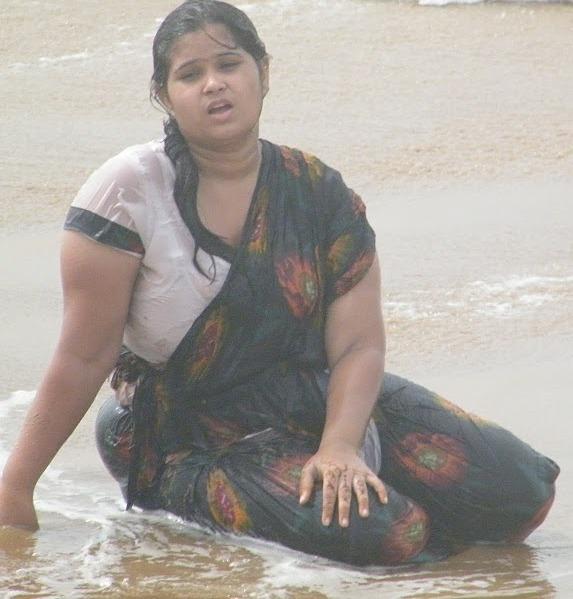 fat  bathing aunty