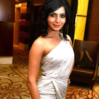 Samantha sexy in white dress