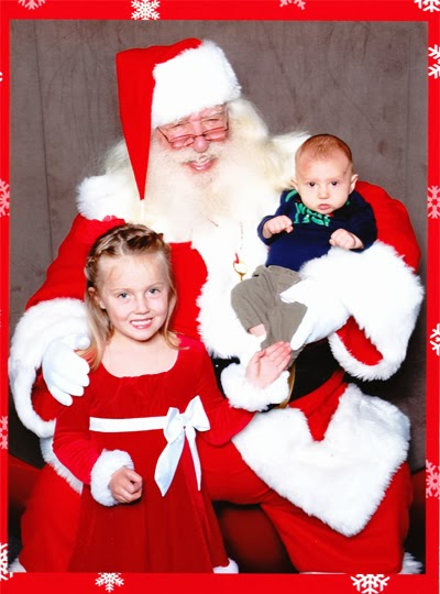 Cousin Belle and Reef Find Santa at the Mall!