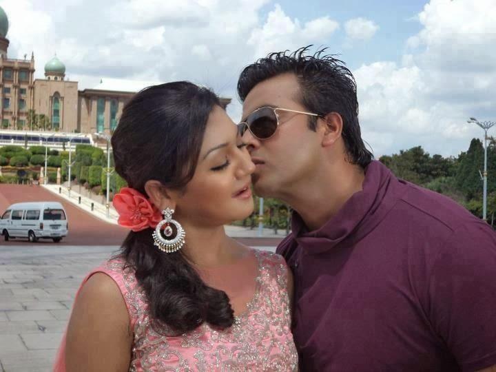 Joya ahsan with Bangla Movie superstar Shakib Khan