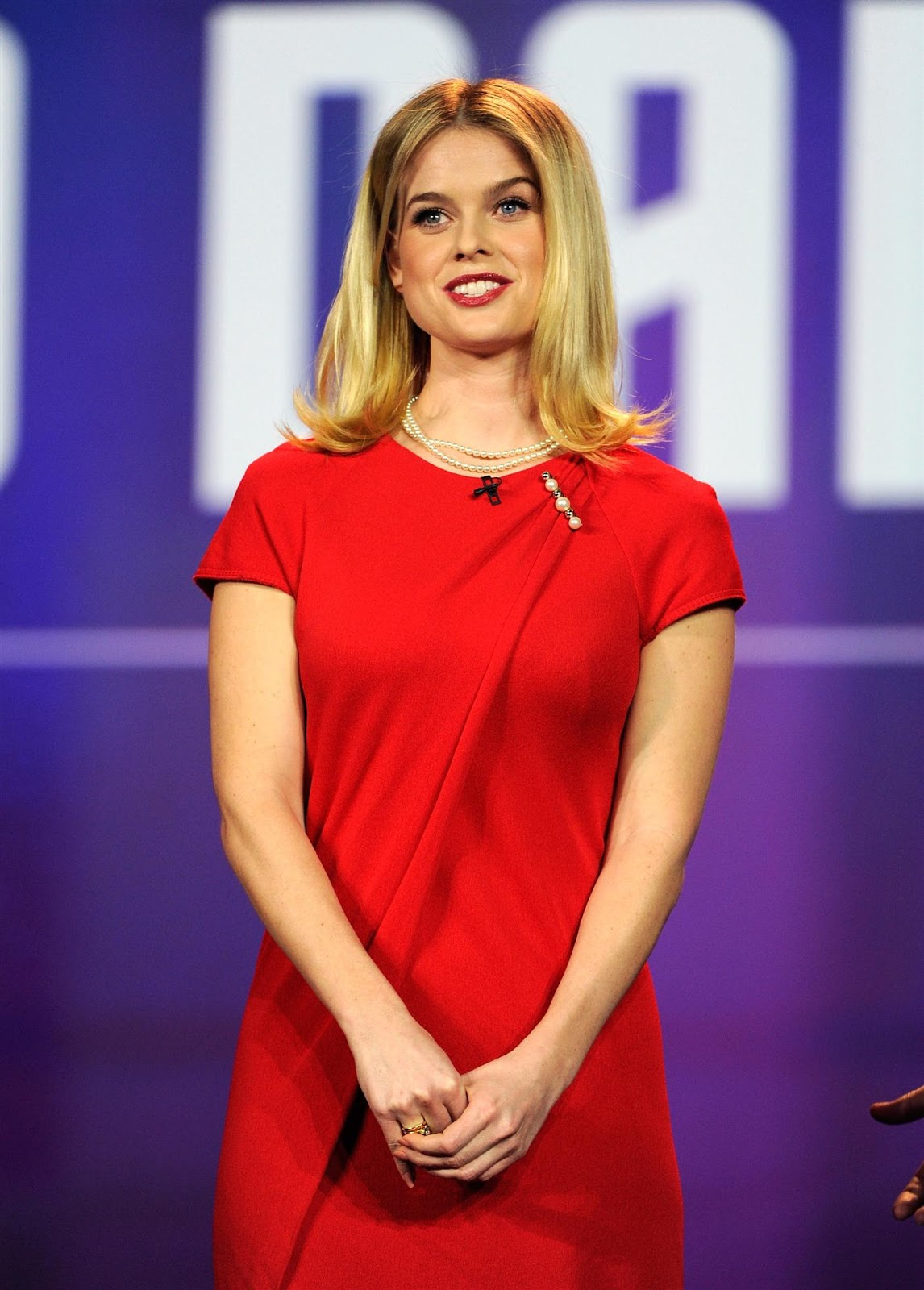 Alice Eve Looking Hot in Red Dress at 2013 International ...
