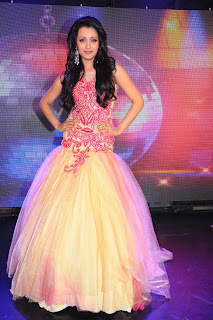 Trisha-Ramp-Walk-Stills-CF-05.jpg