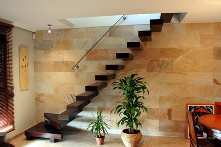 Decoracion actual de moda escaleras modernas for Disenos de casas con escaleras por dentro