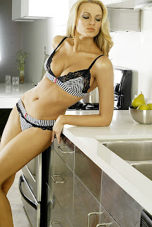 Russia Actress Irina Voronina Hot Pics In Bikini