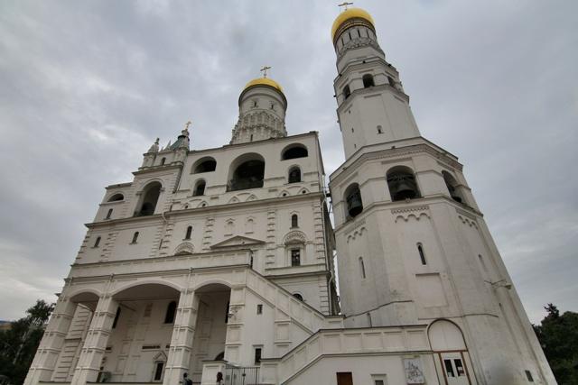 Iglesia de la Depocisión del Manto de la Virgen