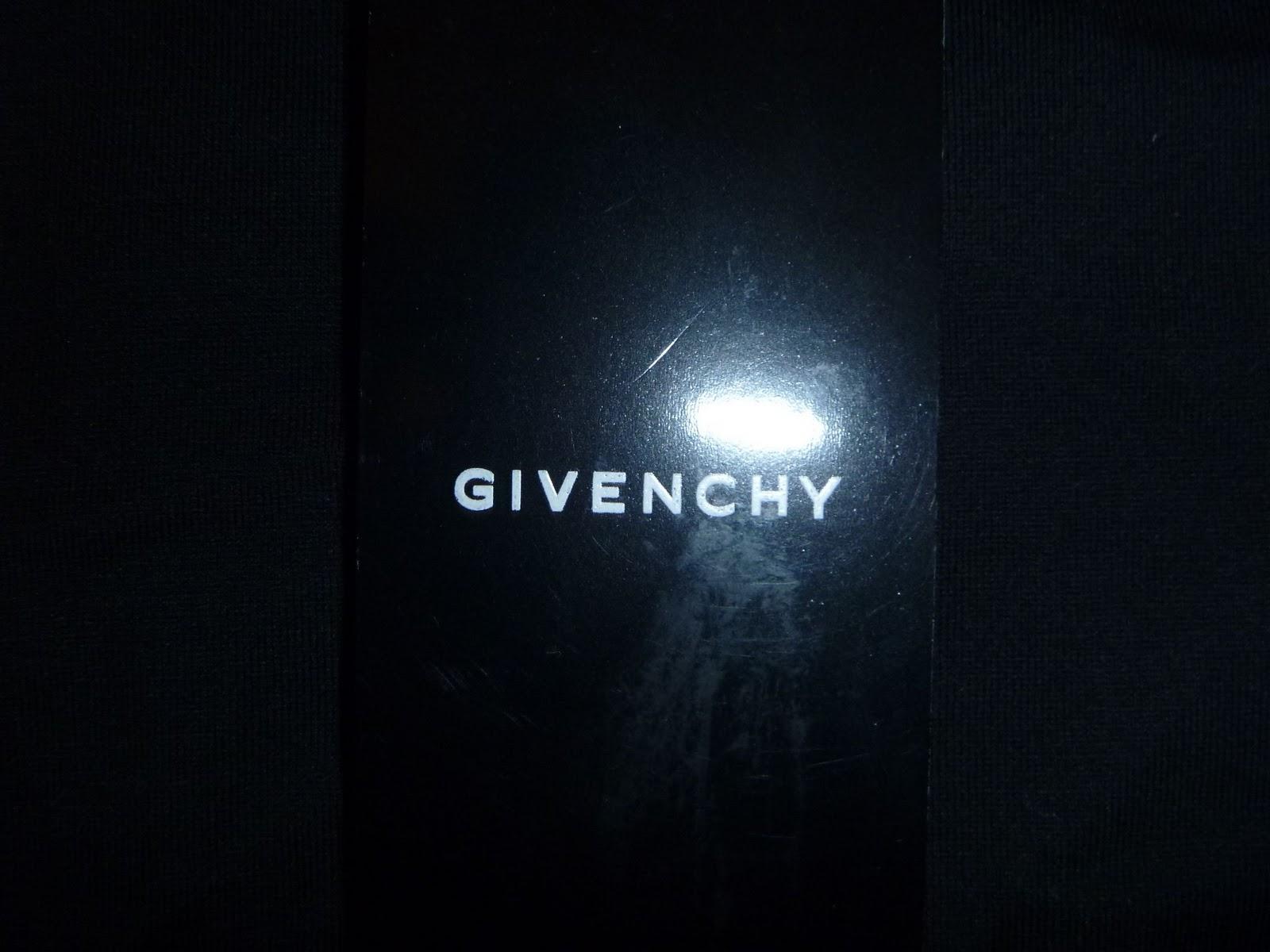 La collection Sweatshirts Homme par Givenchy  GIVENCHY Paris