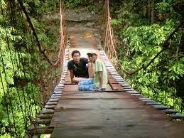 Foto di atas jembatan Rahong