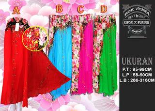 Tampil anggun dengan rok payung motif bunga cantik