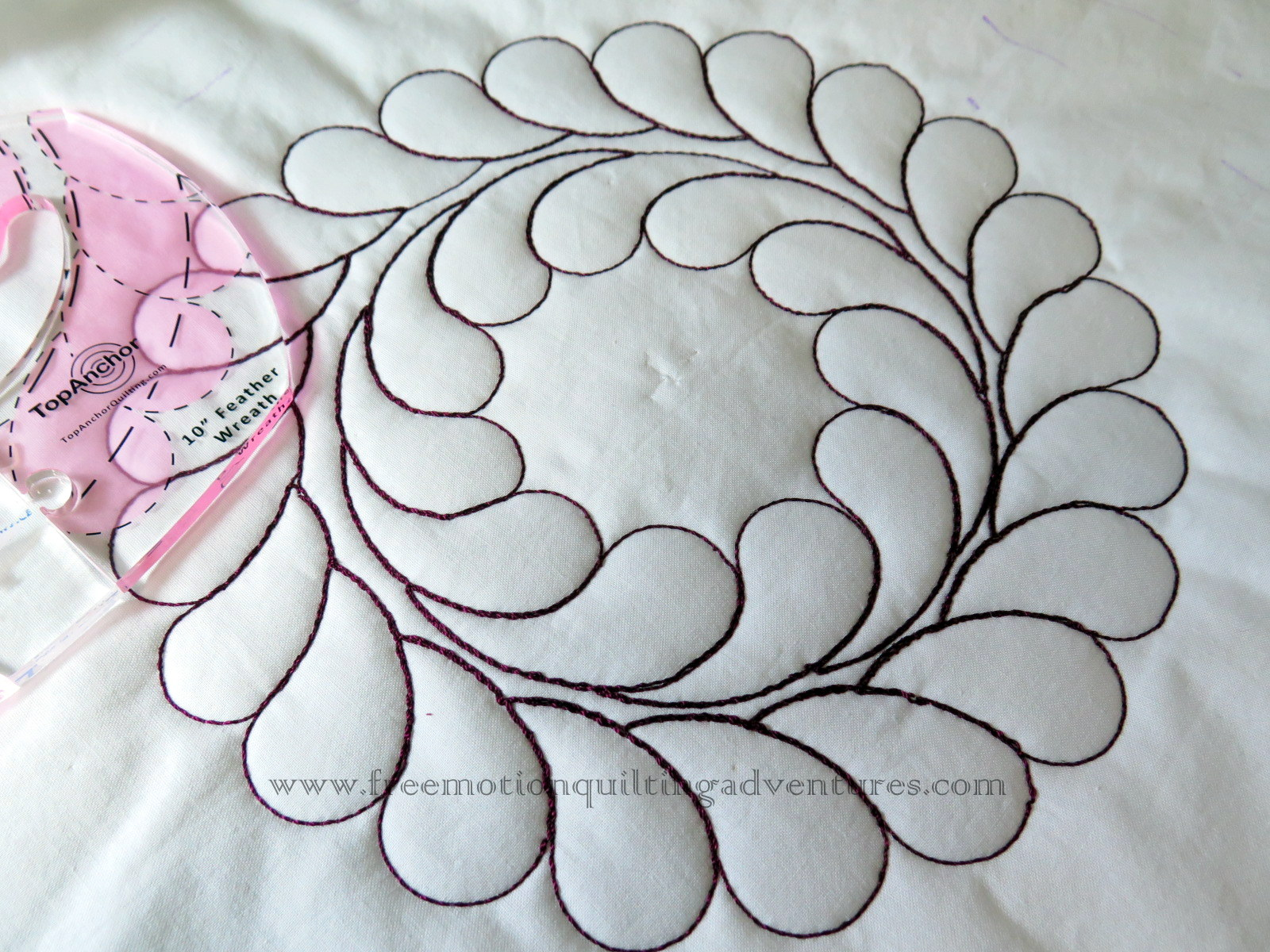 Free Motion Quilting with rulers Feather Wreath