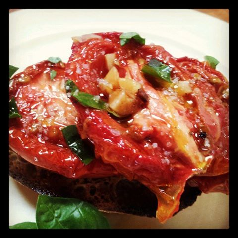 Napa Farmhouse 1885™: slow roasted tomatoes with bruschetta