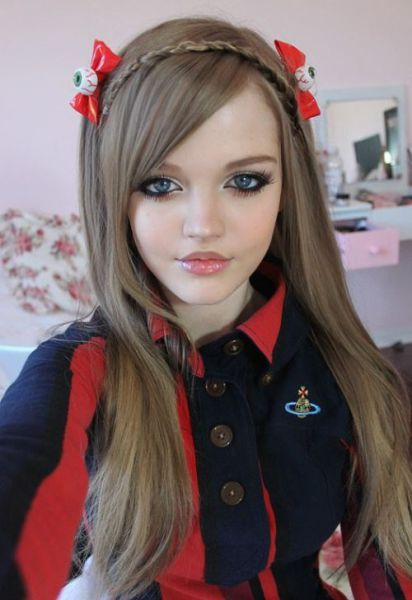 Girls Who Have Chosen To Look Like Human Dolls!