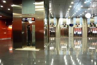 Despilfarro_metro_barcelona