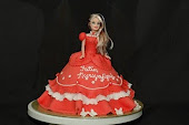 dOLl cAKe wITh fONdaNT icINg