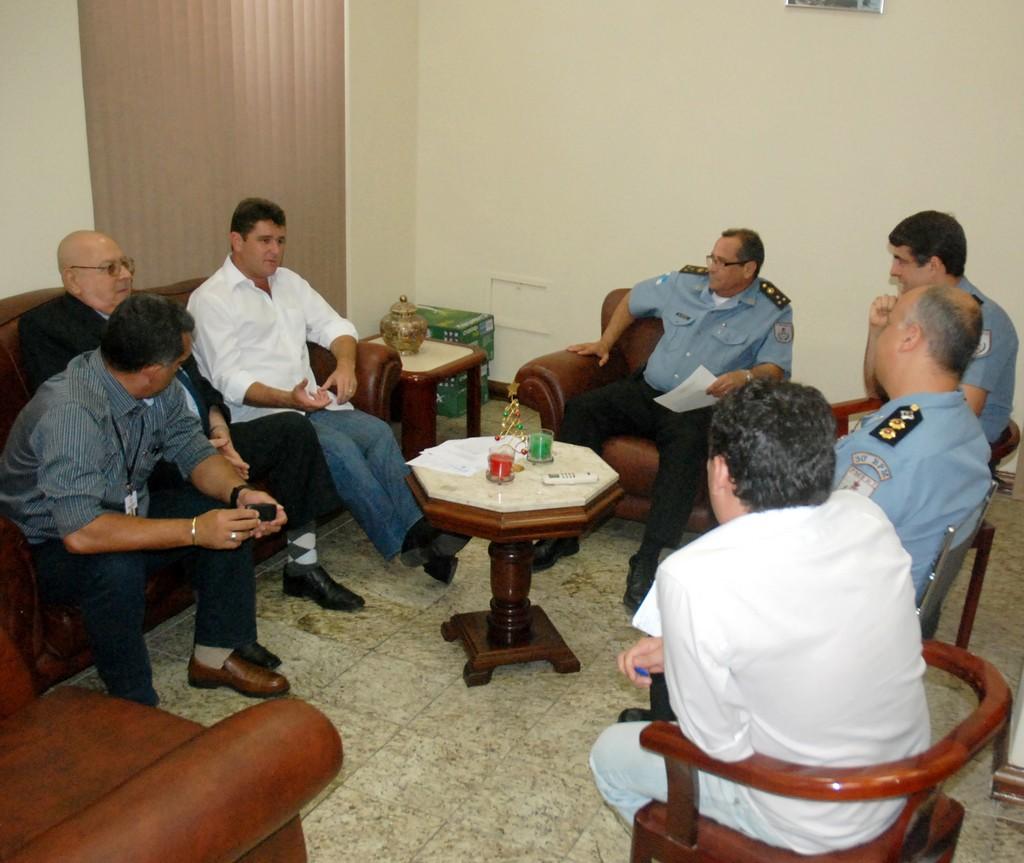 Comitiva do Prefeito Arlei é recebida pelo Comando Geral da PM do estado