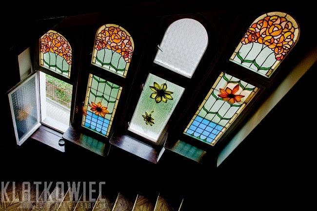 Gdańsk: secesyjne witraże z kwiatami
