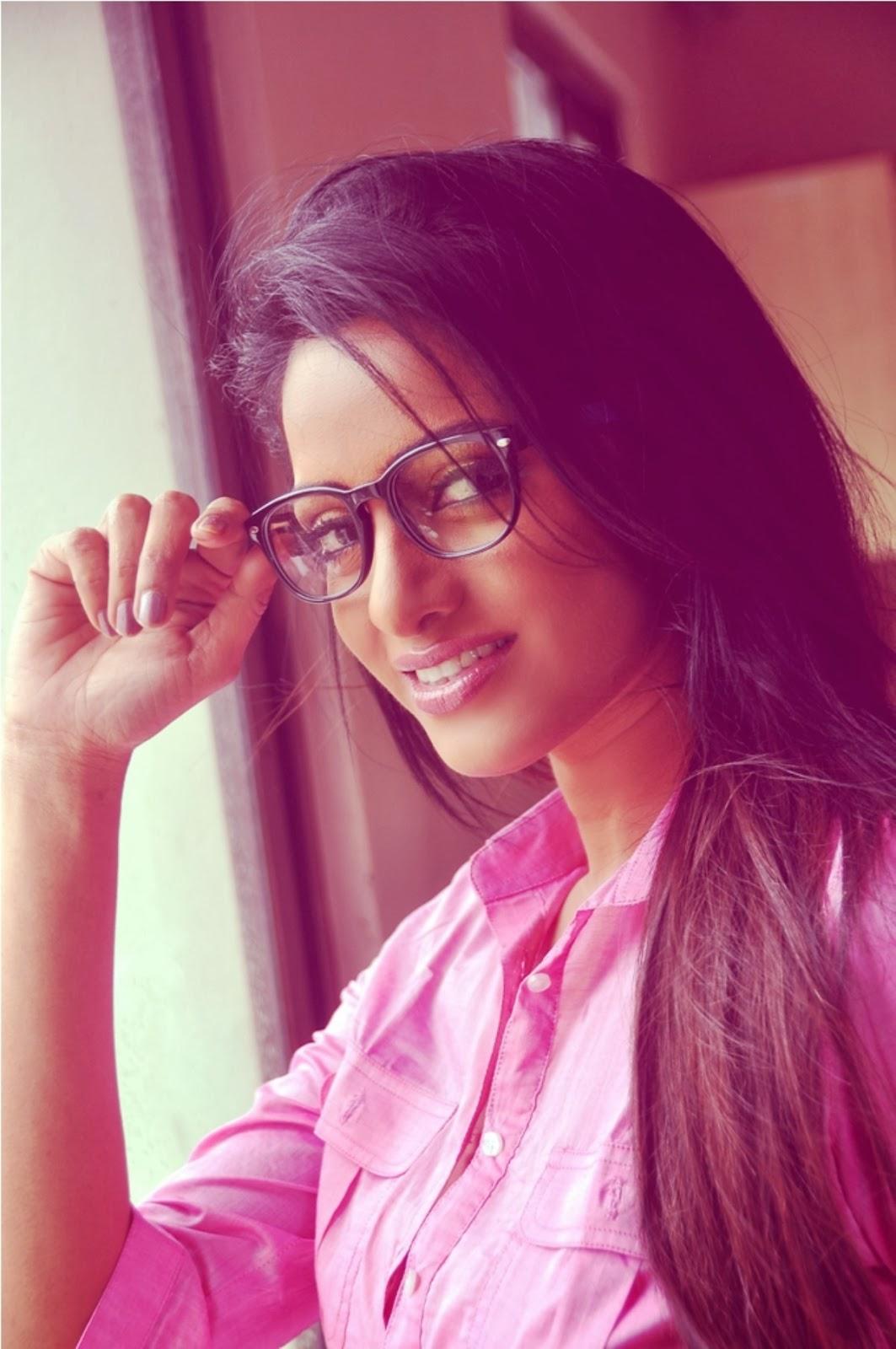 udaya bhanu latest hot photos cinema65com