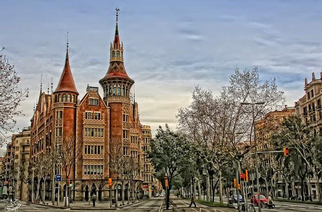Casa de les punxes house of the spikes barcelona europe - Casa de las punxes ...