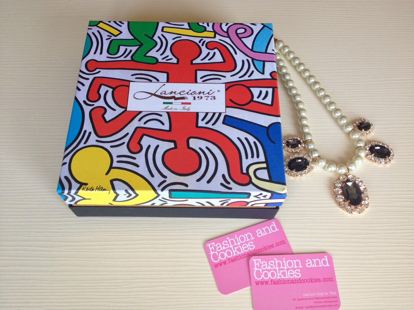 Lancioni 1973, sciarpa Tuttomondo Keith Haring, Fashion and Cookies, fashion blogger