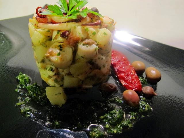 polpo e patate con olive taggiasche, capperi e salsa prezzemolata