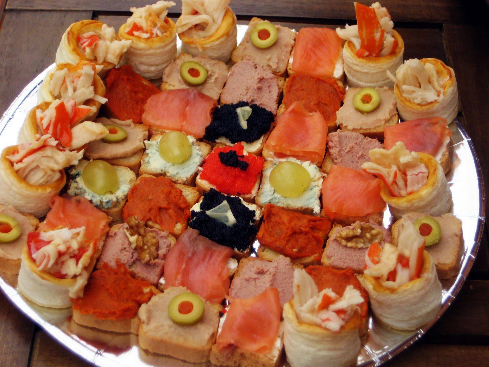 Menjar i gaudir canap s variats canapes variados for Canapes sencillos y rapidos