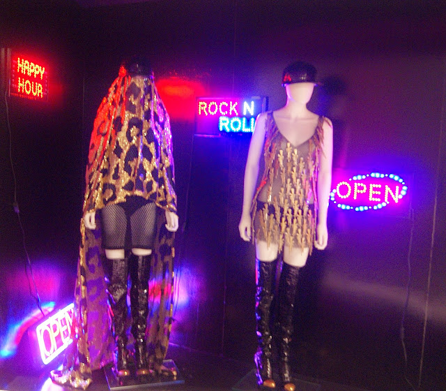 Politics of Fashion/Fashion of Politics Exhibit at Design Exchange in Toronto, Culture, jeanne beker, jeremy laing, clothing, exhibition, history, the purple scarf, melanie.ps, ontario, canada, art, designers, canadian, arab spring look 22, 16, jeremy scott